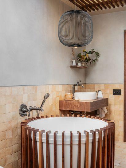 wabi-sabi bathroom by oarcon